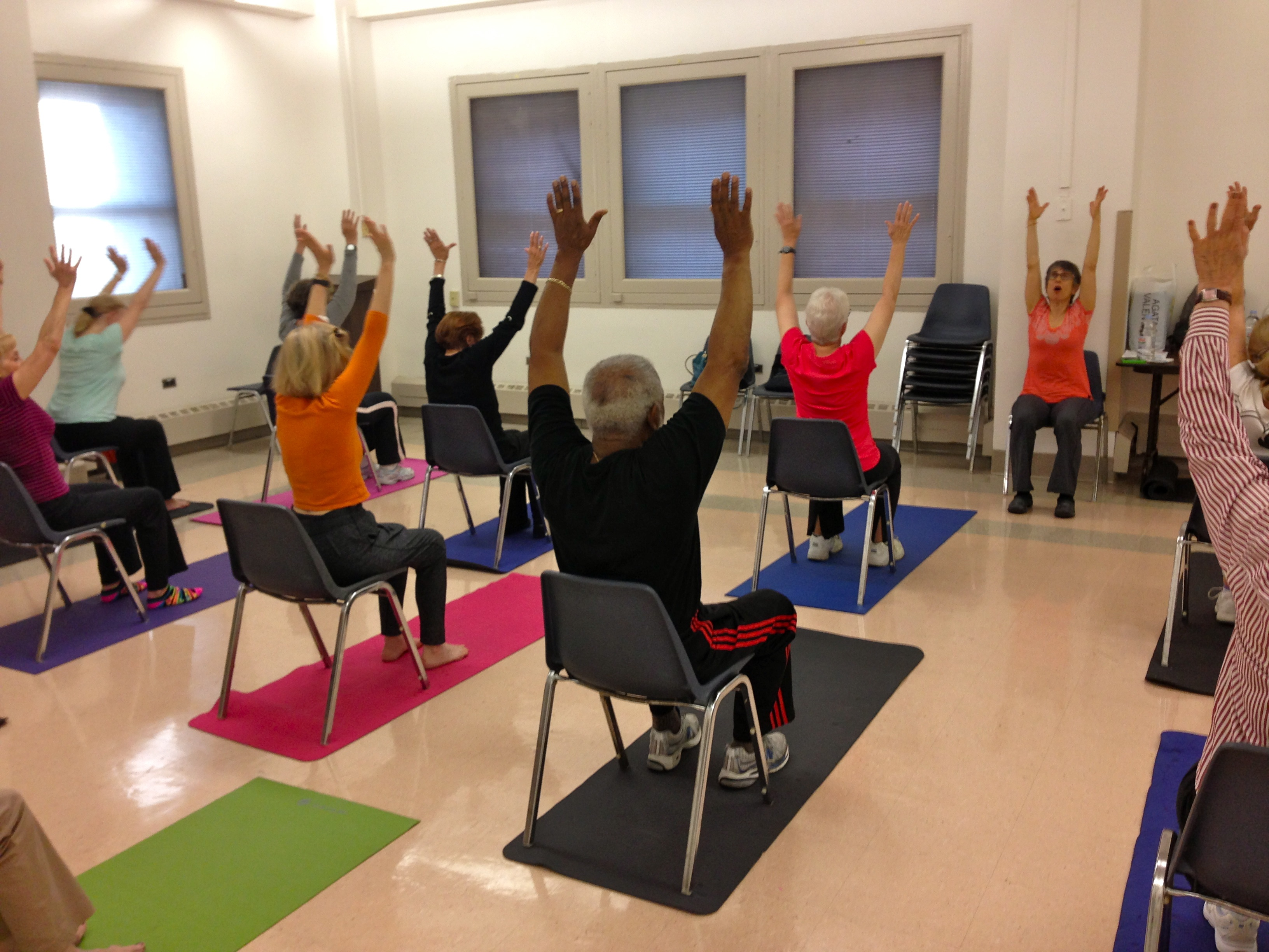 Chair yoga elderly - Jana Chair Yoga Full